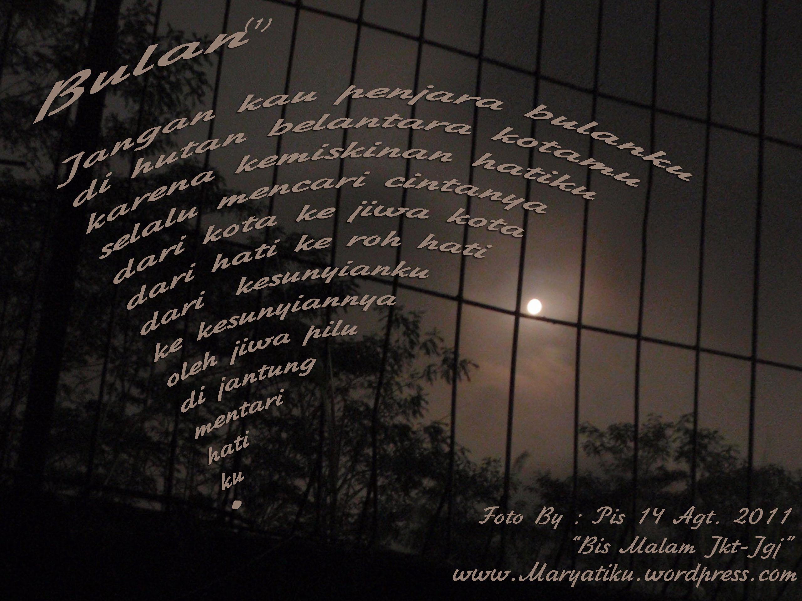 Puisi Bulan Yang Terpenjara